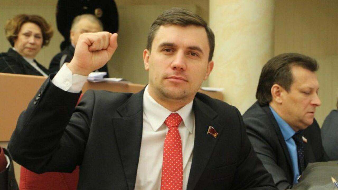 Обещавший прожить на3,5 тысячи руб. депутат пожаловался наоднообразную еду