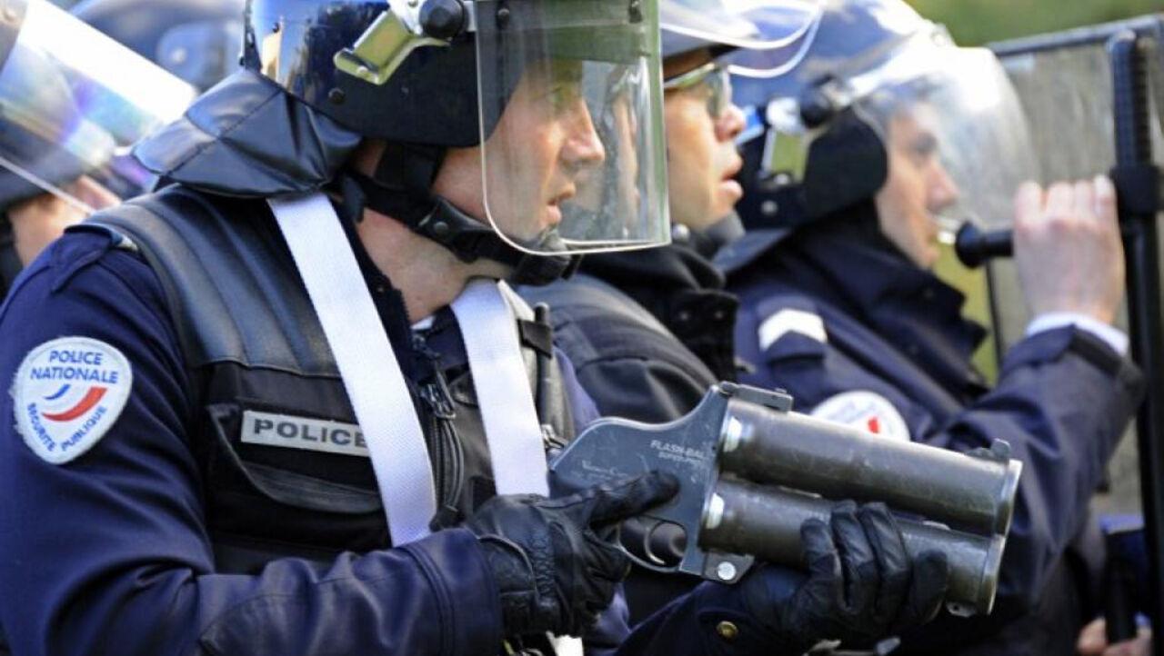 ВоФранции снайпер ошибочно открыл огонь впроцессе выступления Олланда