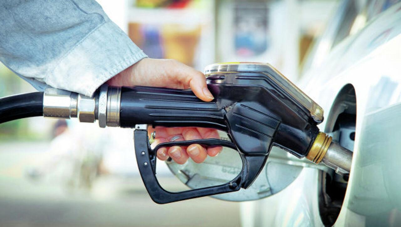 Почему в ближайшие дни бензин в России подешевеет