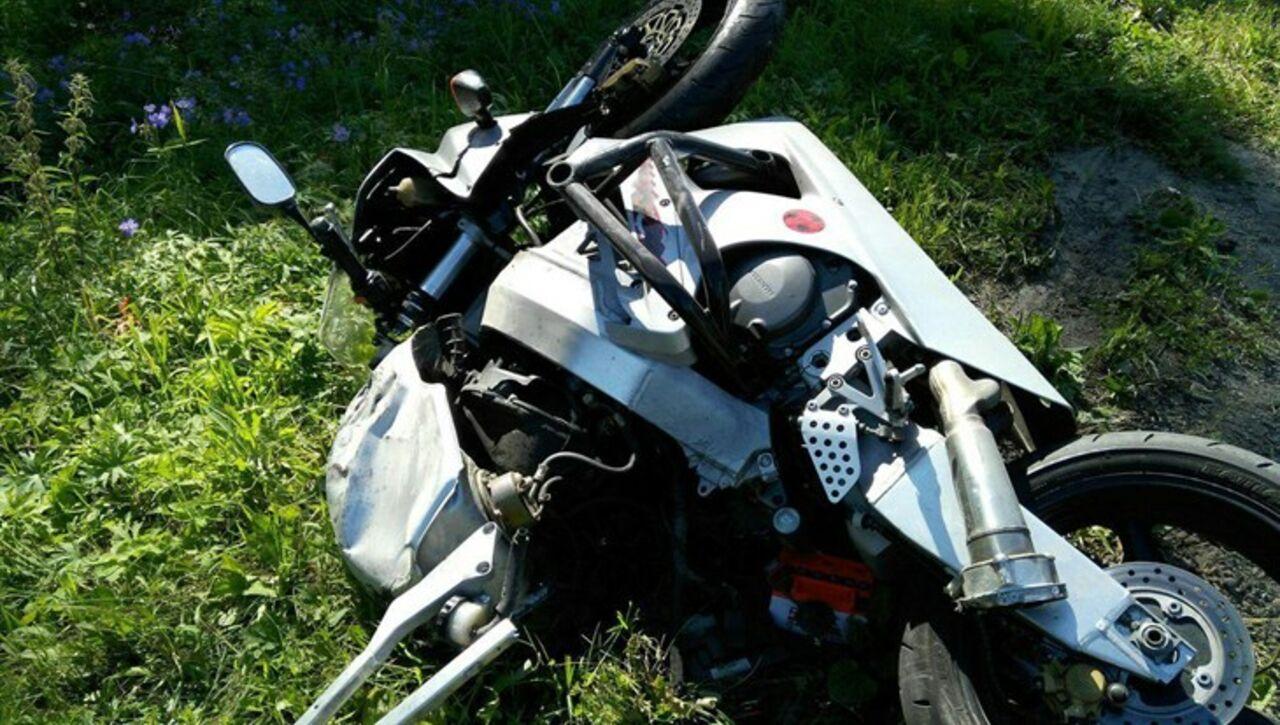 Впригороде Томска надороге ваэропорт умер мотоциклист