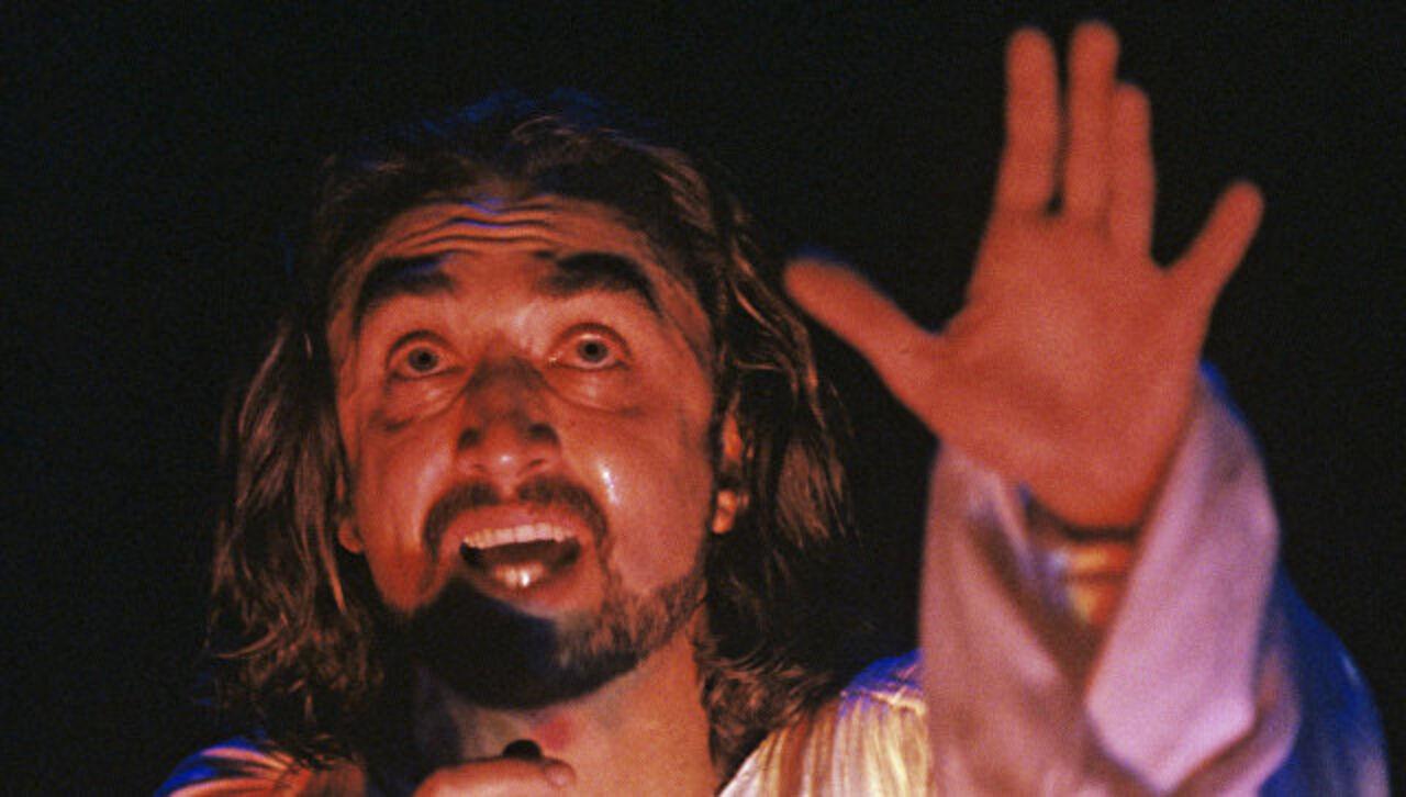 1-ый вРФ исполнитель роли Иисуса Олег Казанчеев скончался в столице России