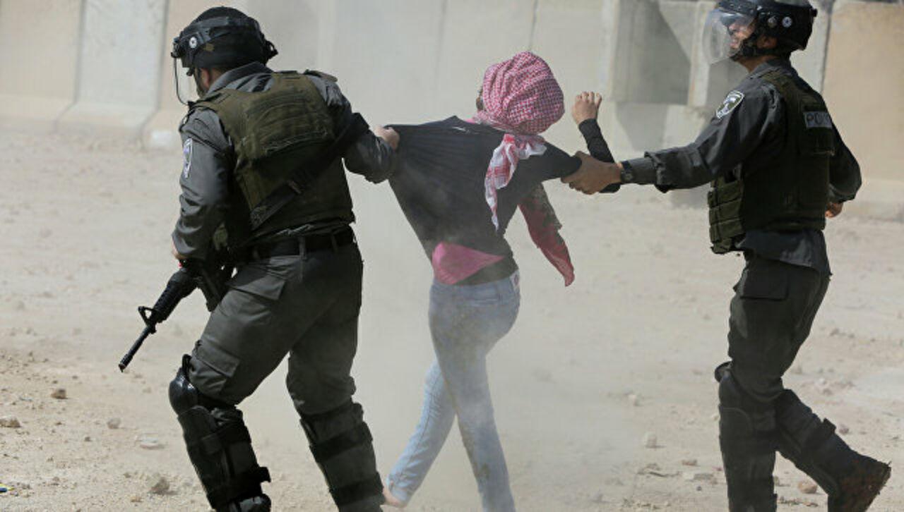 Израильские военнослужащие открыли огонь попротестующим палестинцам