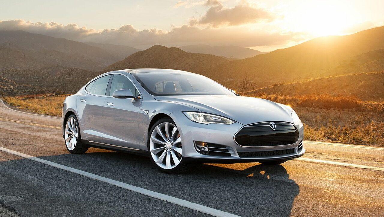 Специалист: Автопилот Tesla рискован для велосипедистов