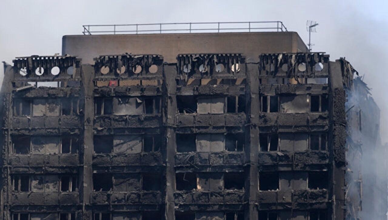 Число погибших  масштабного пожара вмногоэтажке Лондона возросло до  30