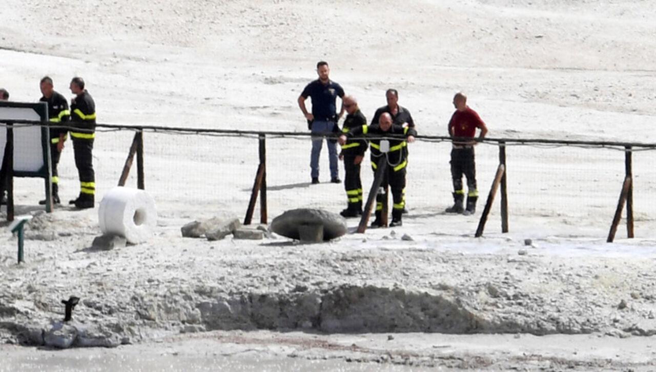 ВИталии 11-летний ребенок иего родители погибли вкратере вулкана