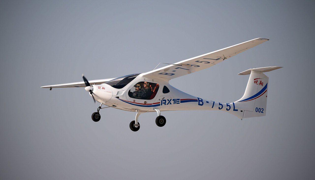 В КНР благополучно испытали самолет наводородных топливных элементах