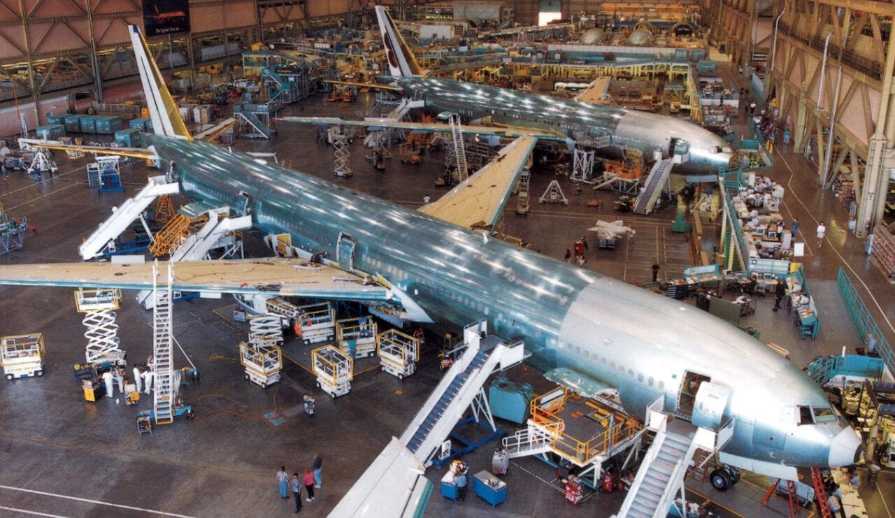 Boeing открывает своё первое предприятие на территории Евросоюза а именно в Великобритании. Об этом сообщает Bloomberg