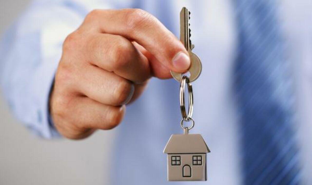 была приватизация квартиры на три семьи этим теперь
