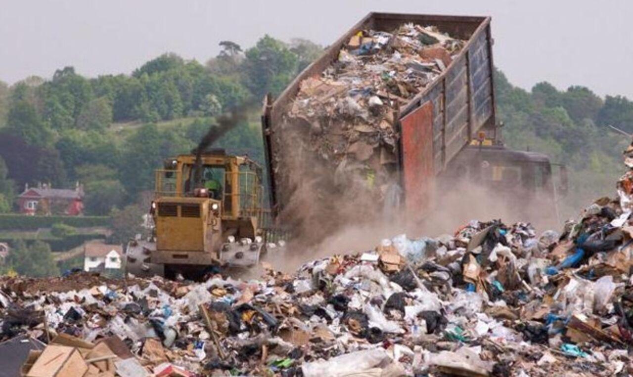 ВКемерове временно закрыли мусорный полигон, находящийся впределах города