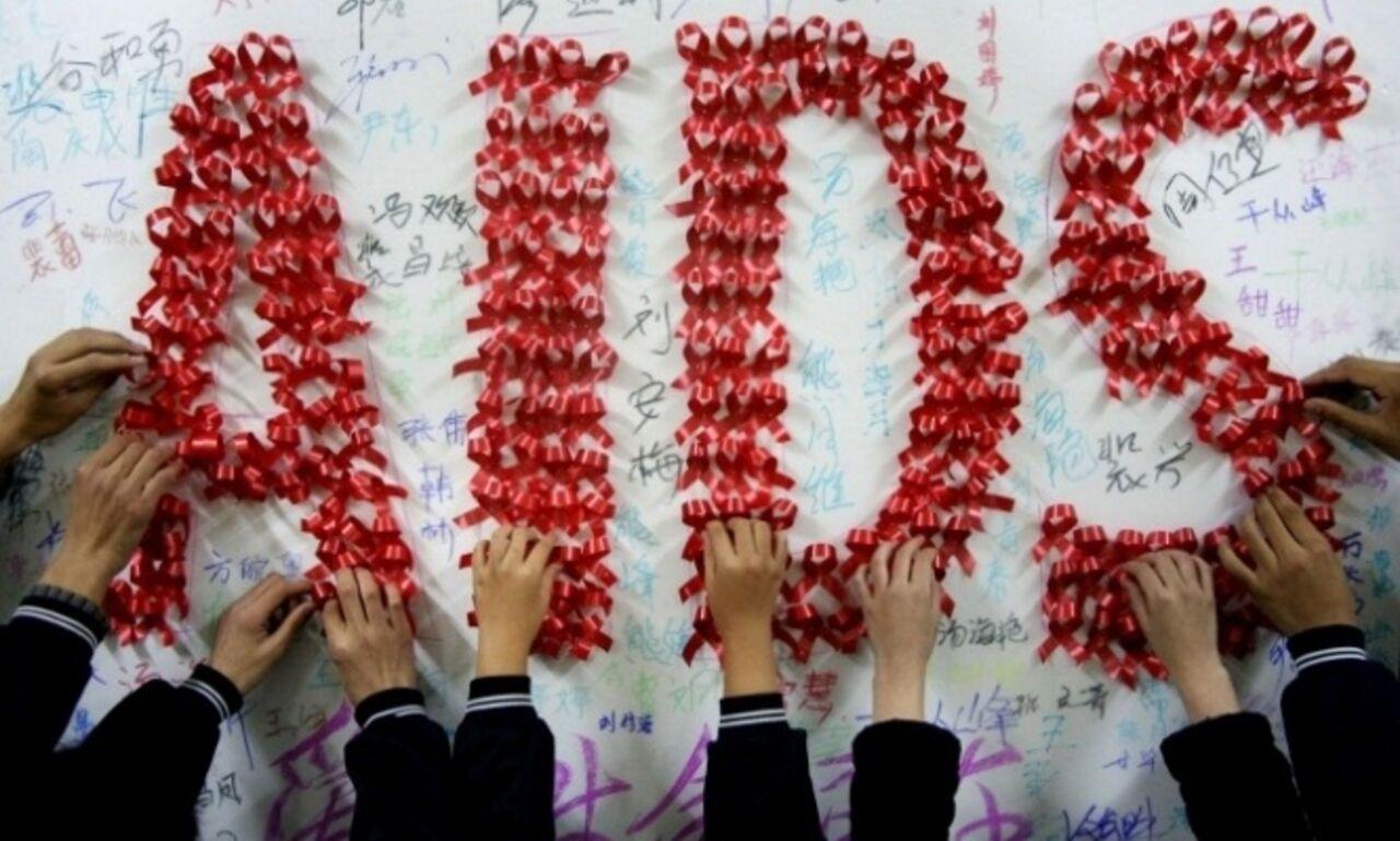Кабмин отказался снять запрет на заезд в РФ зараженных ВИЧ
