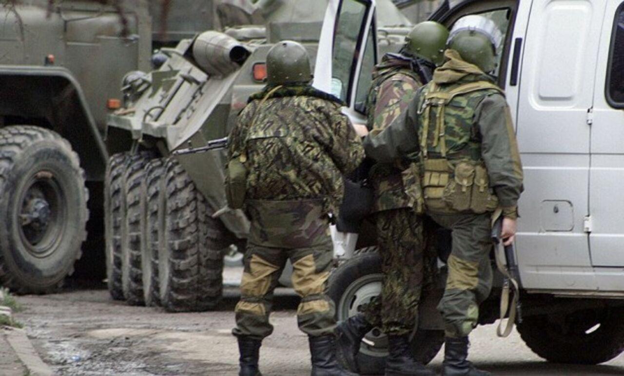 ВДагестане полицейские ищут боевиков В 3-х районах республики объявлен режим КТО