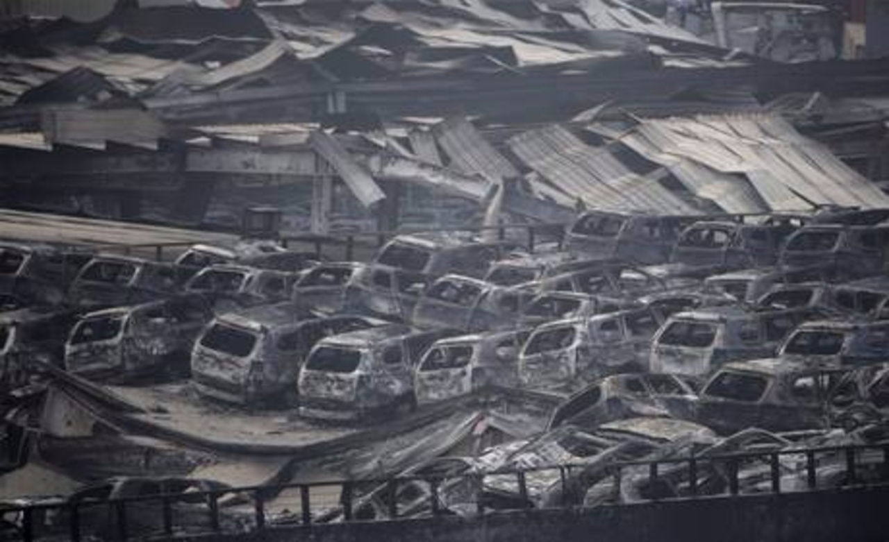 На месте взрыва на складе в китайском Тяньцзине обнаружен выживший