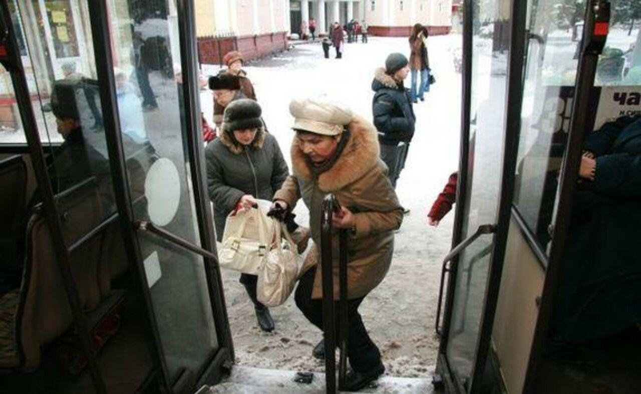 ВВологде пассажирка выпала изавтобуса №40 впериод движения