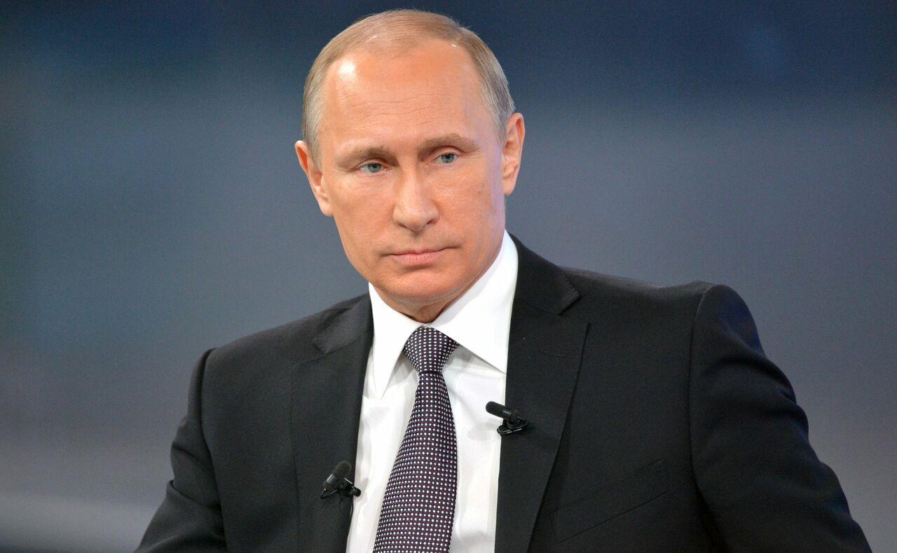 Путин сократил отпуск для муниципальных служащих в РФ