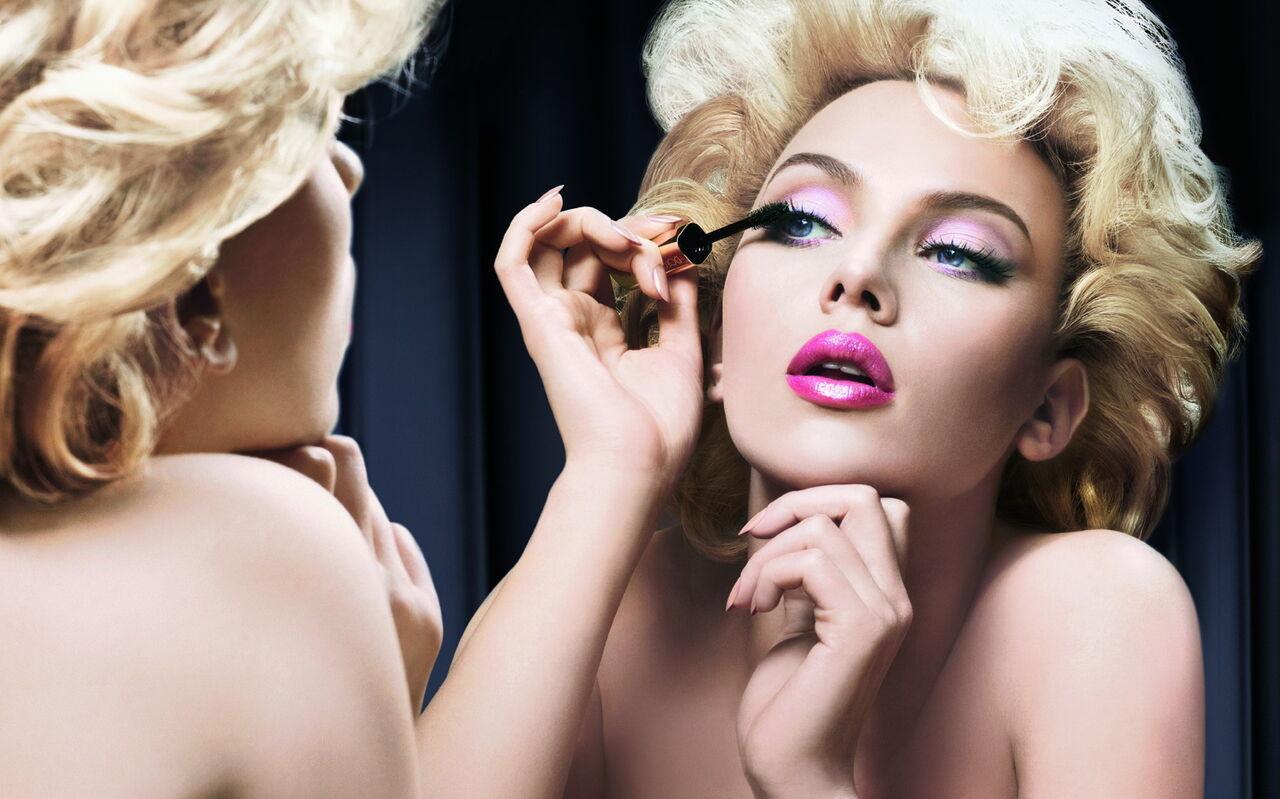 Ученые поведали о воздействии макияжа науспех вработе