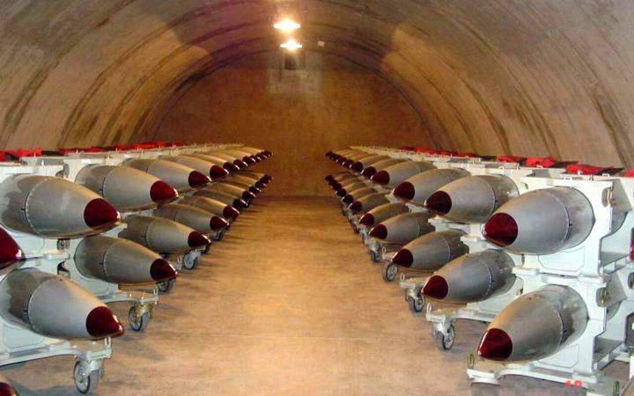 Пентагон разместит в Европе новые ядерные бомбы