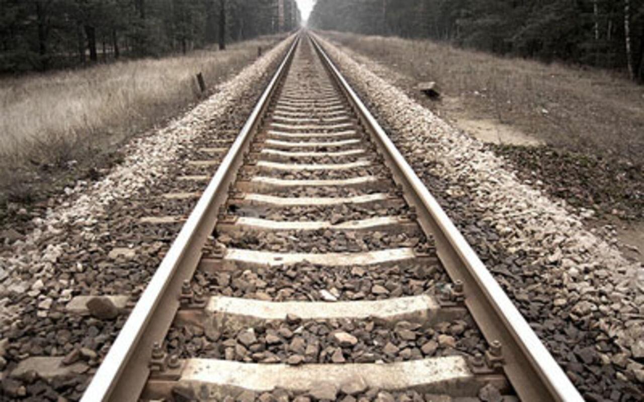 Француз убил супругу, привязав еекрельсам перед надвигающимся поездом