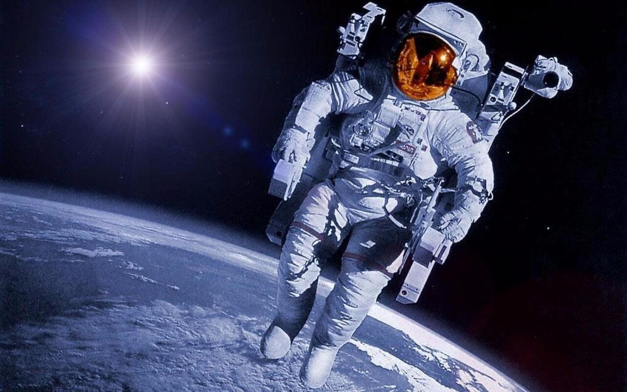 Уфолог: МКС находится невкосмосе, анаЗемле