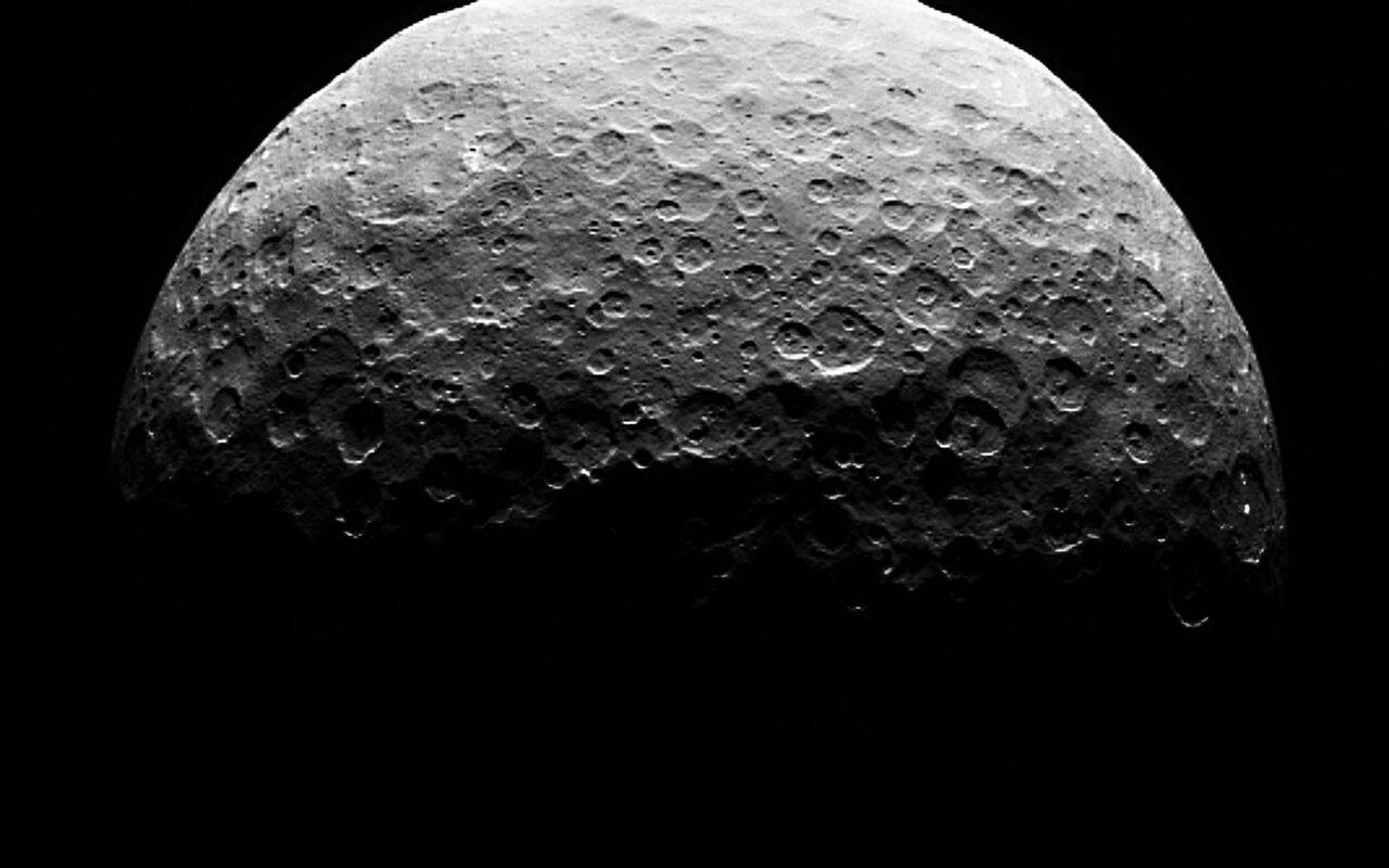 Церера является климатически активным космическим объектом— Американские ученые