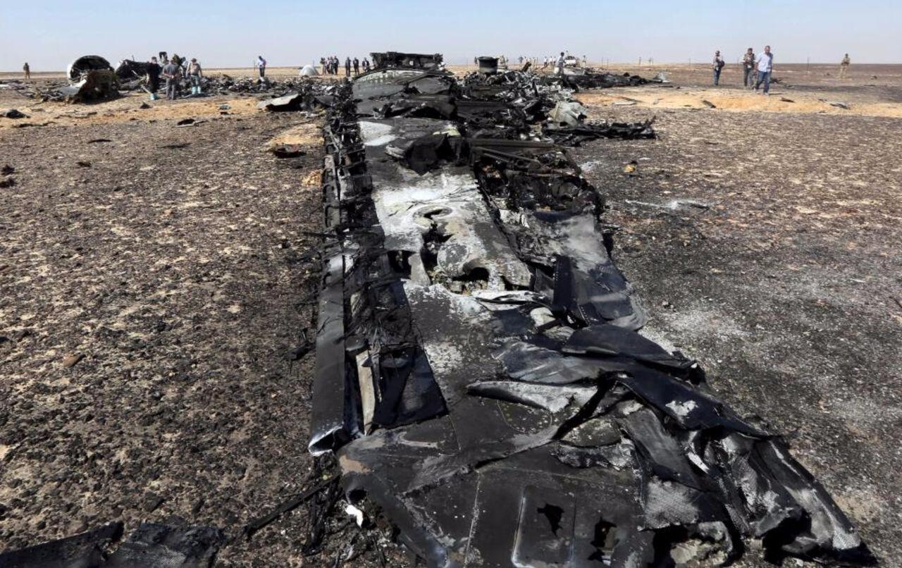 На экспертизу направили ряд обнаруженных на месте крушения Airbus A321 элементов которые конструктивно к нему не относятся. Об этом сообщает Т