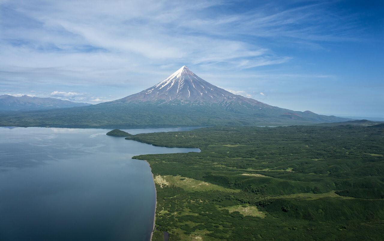 НаКамчатке два вулкана выбросили столбы пепла