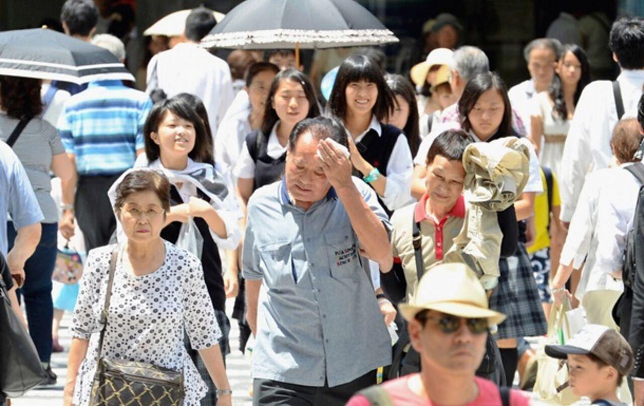 Свыше тысячи японцев попали в клиники из-за жары