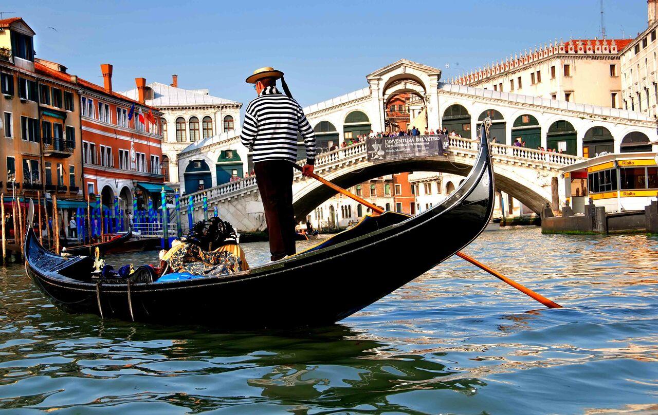 Власти Венеции ограничат число приезжающих вгород туристов