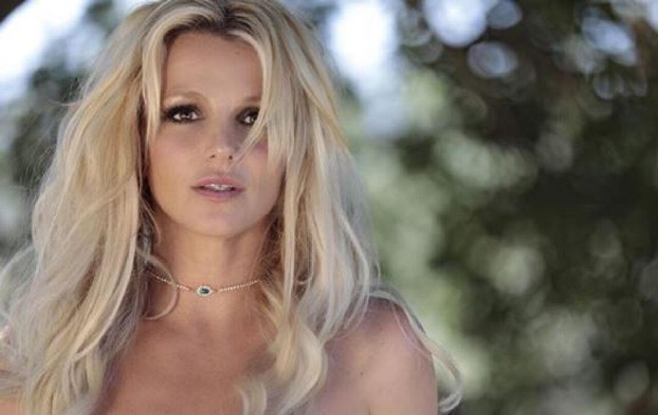 ВСМИ говорили о попадании Бритни Спирс впсихлечебницу75