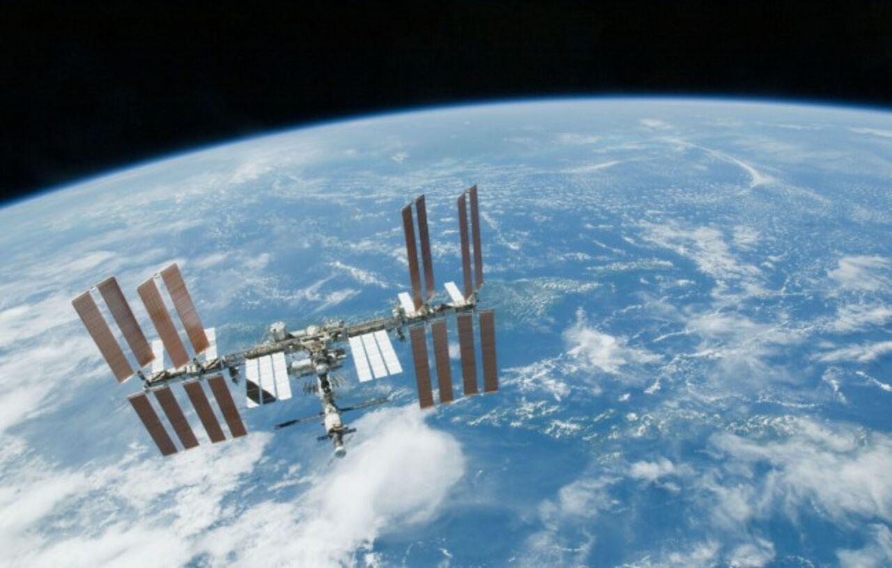 РФ работает над оружием против спутников— Командующий США