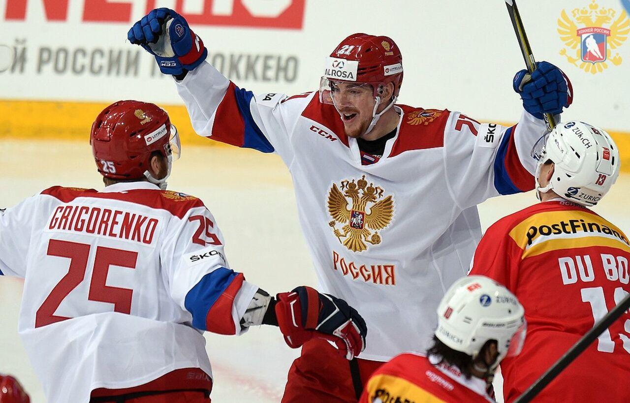 Сборная РФ разгромила команду Швейцарии вматче Еврохоккейтура