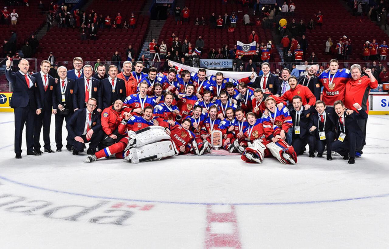 Сборная РФ завоевала бронзовые медали намолодежном чемпионате мира похоккею