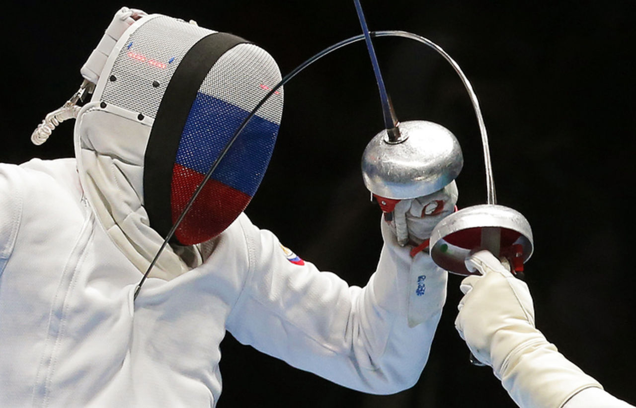 Русские шпажисты завоевали золото вкомандных соревнованиях наэтапеКМ вИталии
