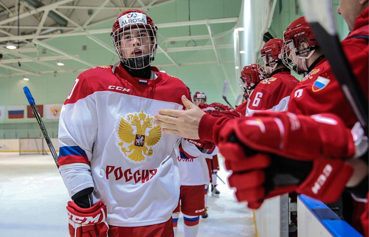 Молодежная сборная России по хоккею одержала победу над командой Швейцарии во втором матче чемпионата мира. Об этом сообщает ТАСС