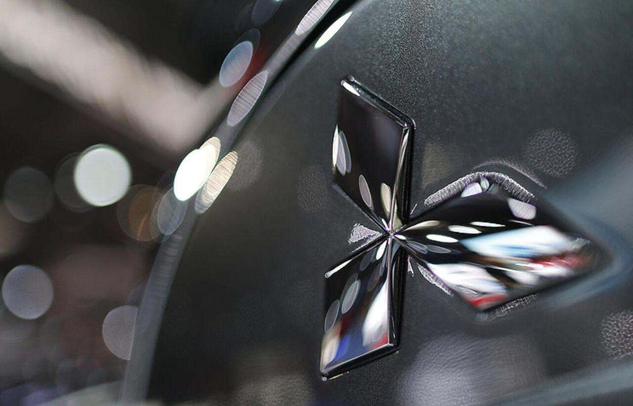 Митцубиши «забраковала» 180 тыс. авто из-за лобового стекла