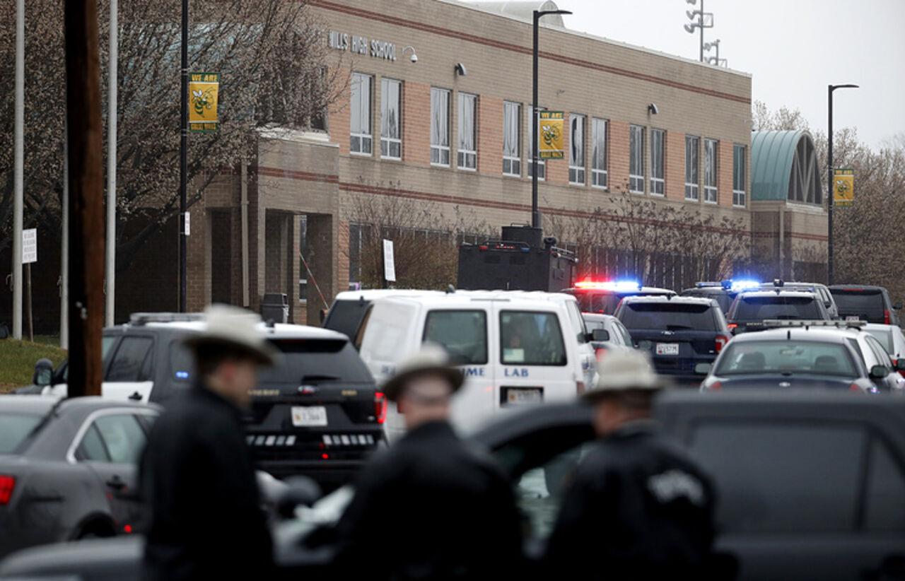 Ученик, устроивший стрельбу вшколе вМэриленде, скончался в клинике