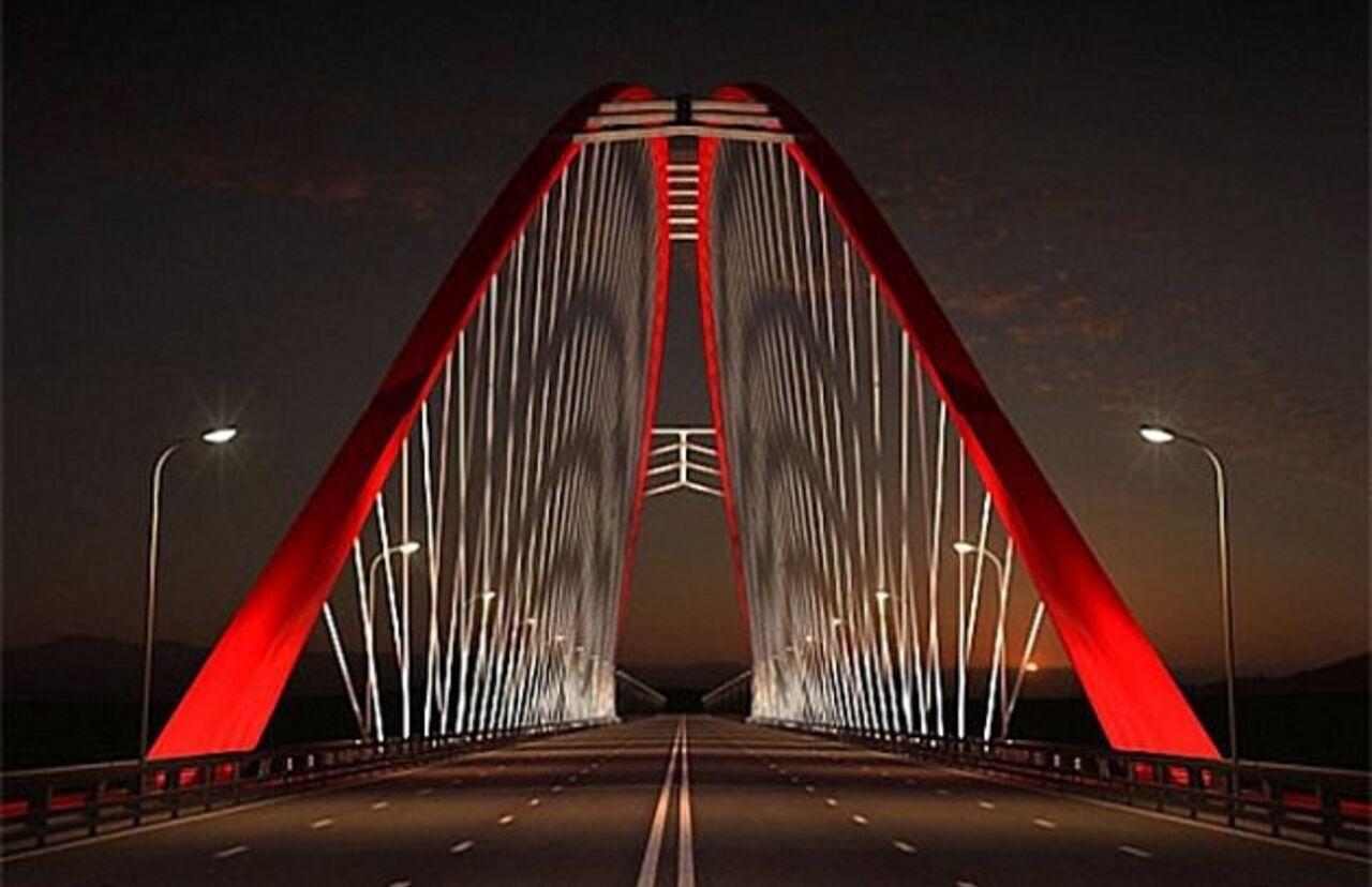 Четвертый мост будут строить на миллиарды из Москвы