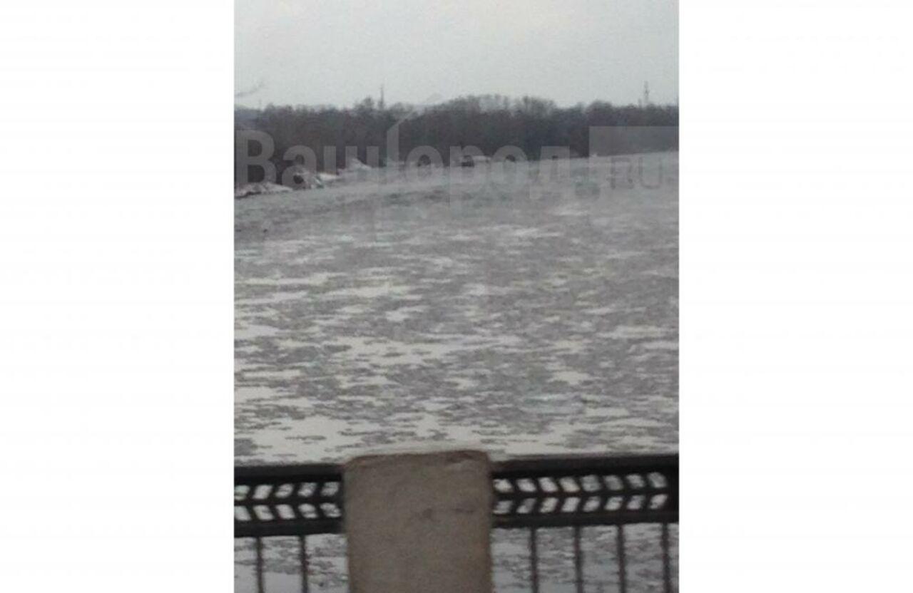 ВКузбассе наТоми начался осенний ледоход