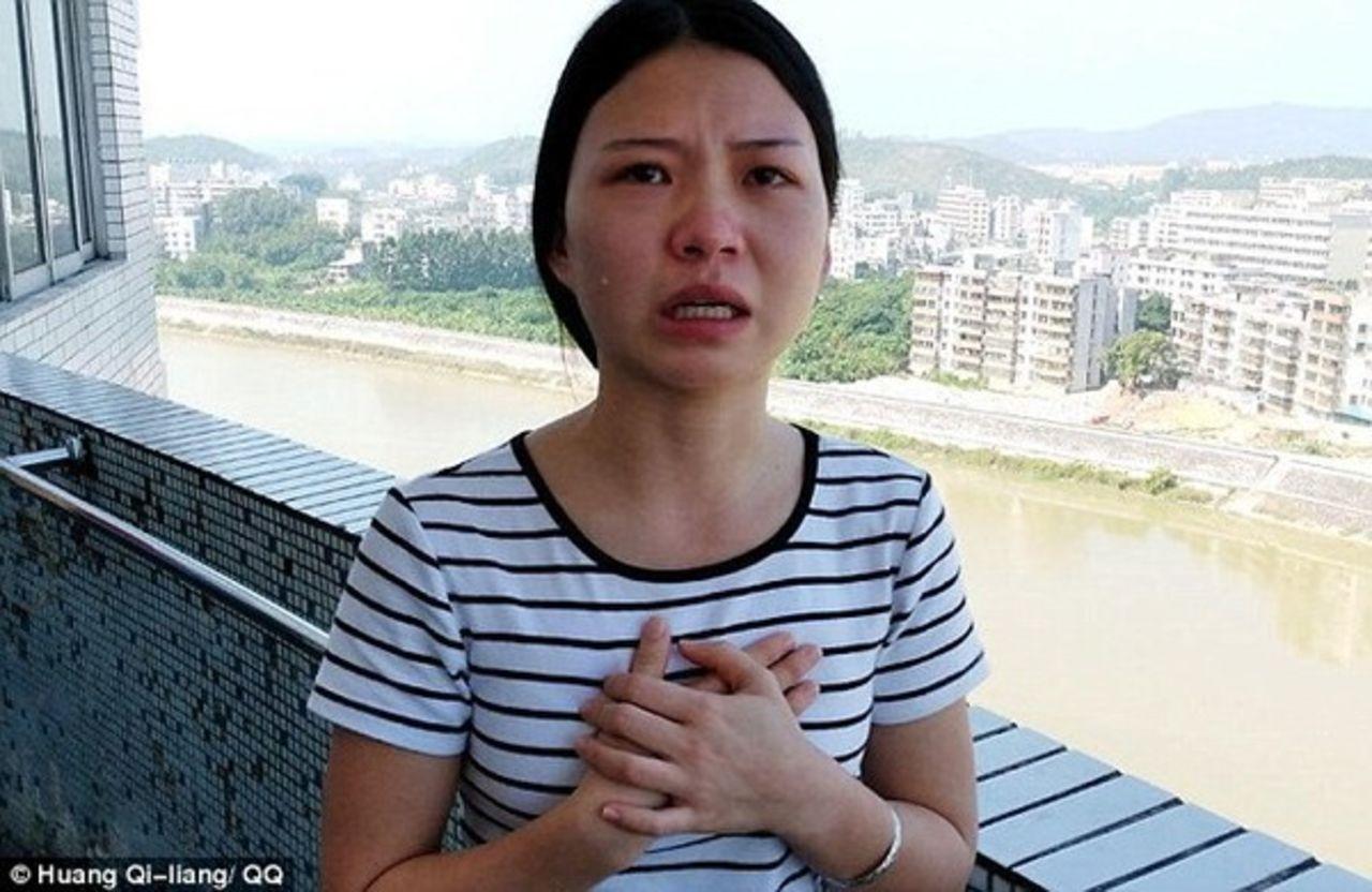 ВКитайской народной республике девушка выставила себя на реализацию, чтобы посодействовать больной матери
