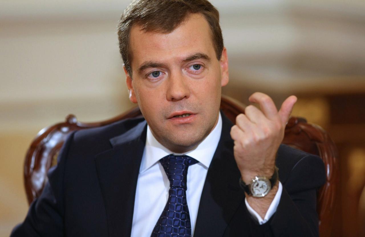 Вырос рейтинг доверия к государственной думе — Медведев