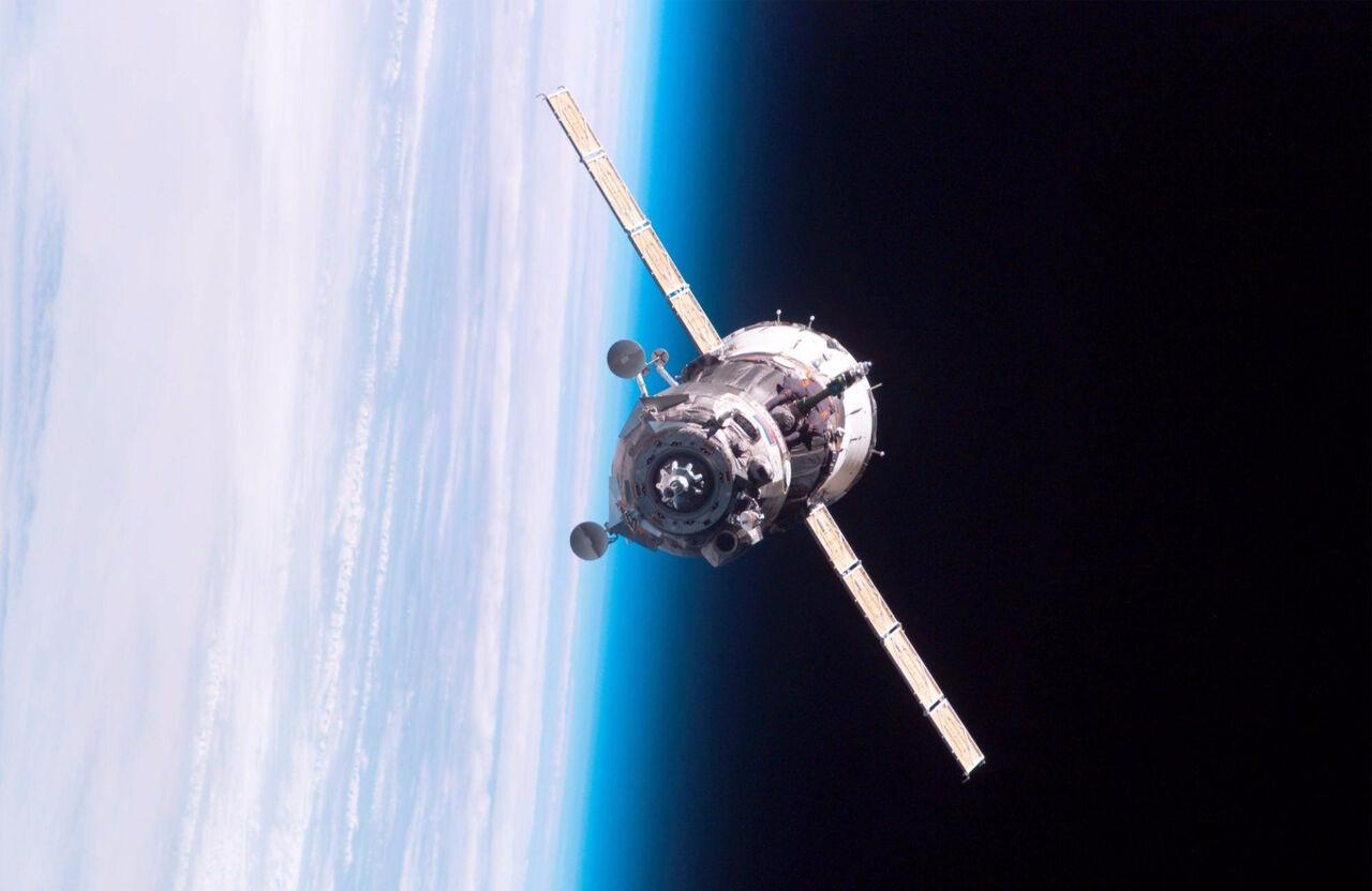 Связь стремя российскими спутниками потеряна после ихвыхода наорбиту