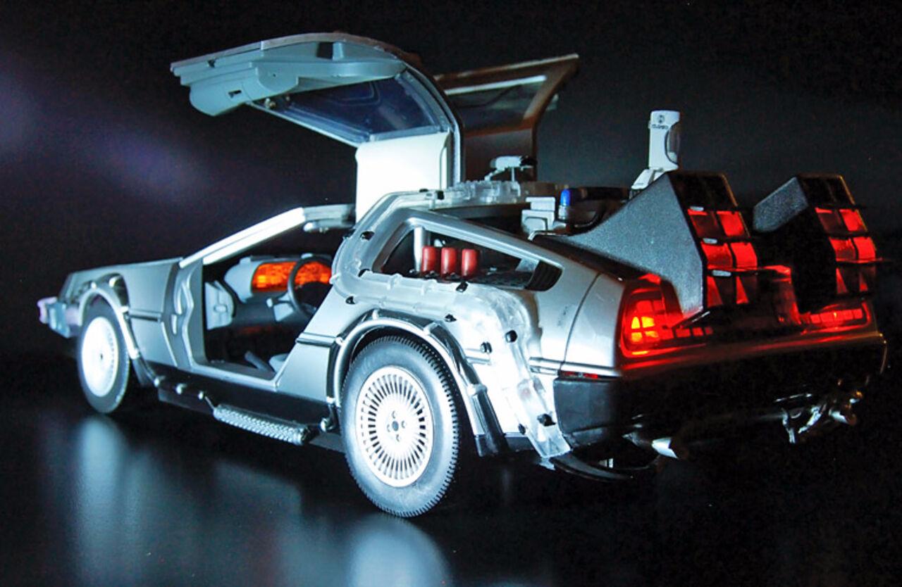 DeLorean разработает летающую версию автомобиля из«Назад вбудущее»