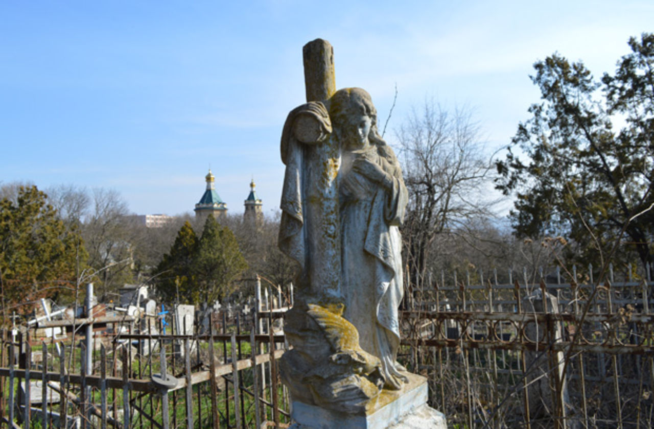 Трое детей осквернили практически 130 могил настаринном кладбище впольском Щецине