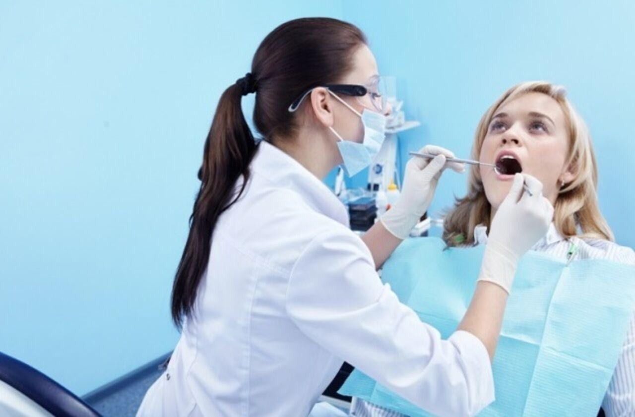 Стоматолог вырвала 22 здоровых зуба упациентки вПетербурге