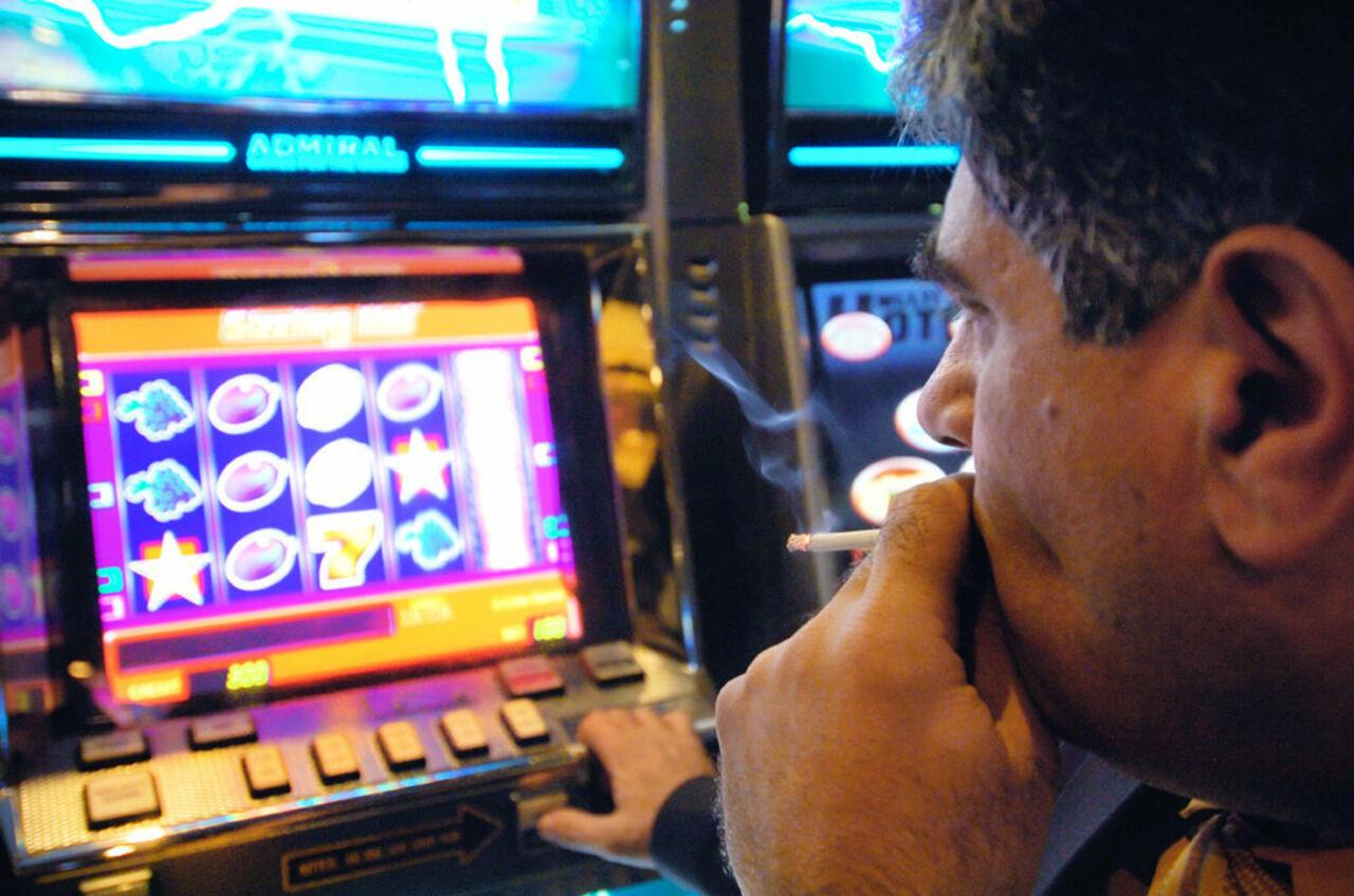 Я проиграл в онлайн казино казино гранд обиграть