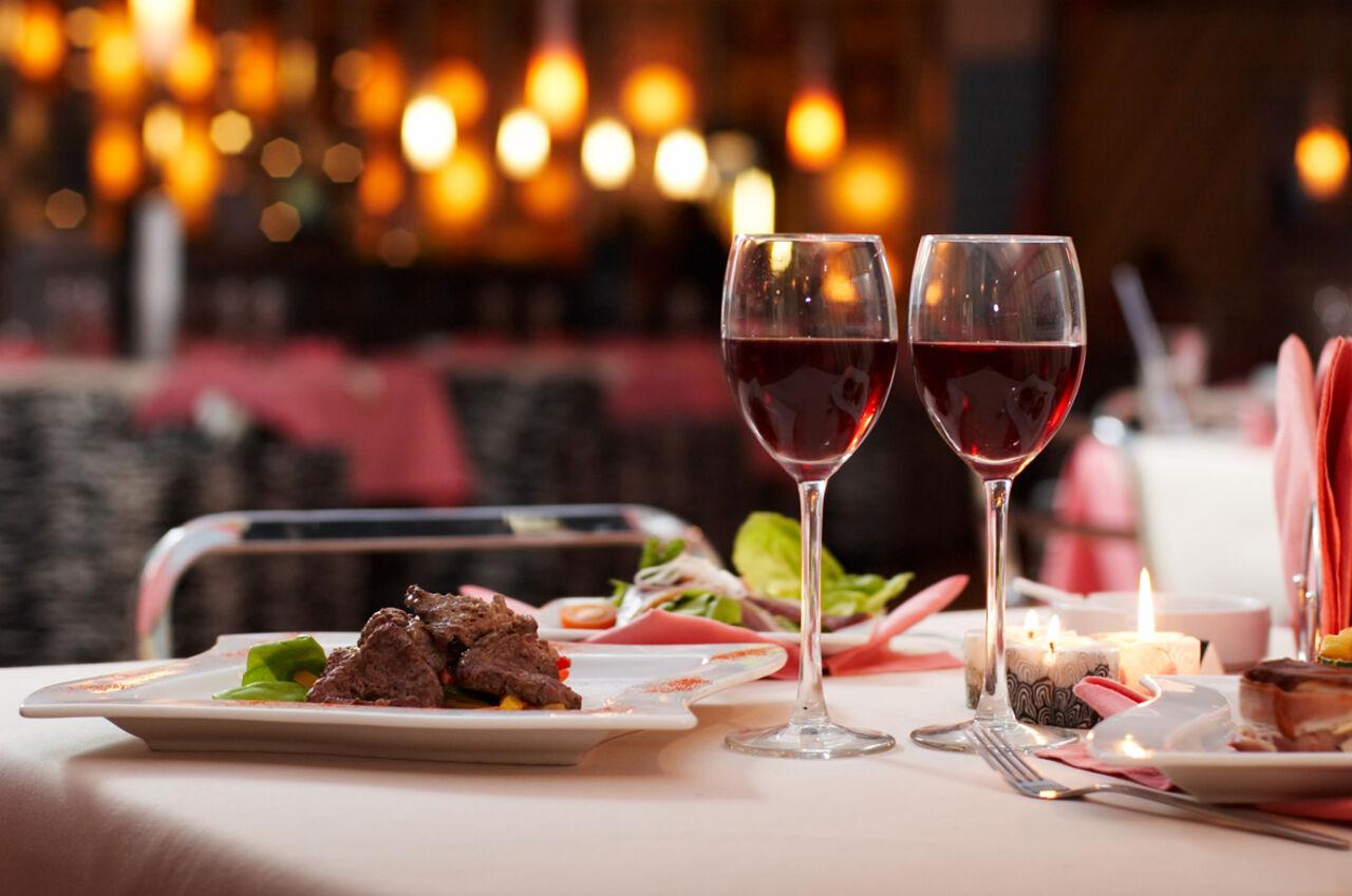 В Российской Федерации появился сервис попоиску ресторанов, где можно бесплатно поесть