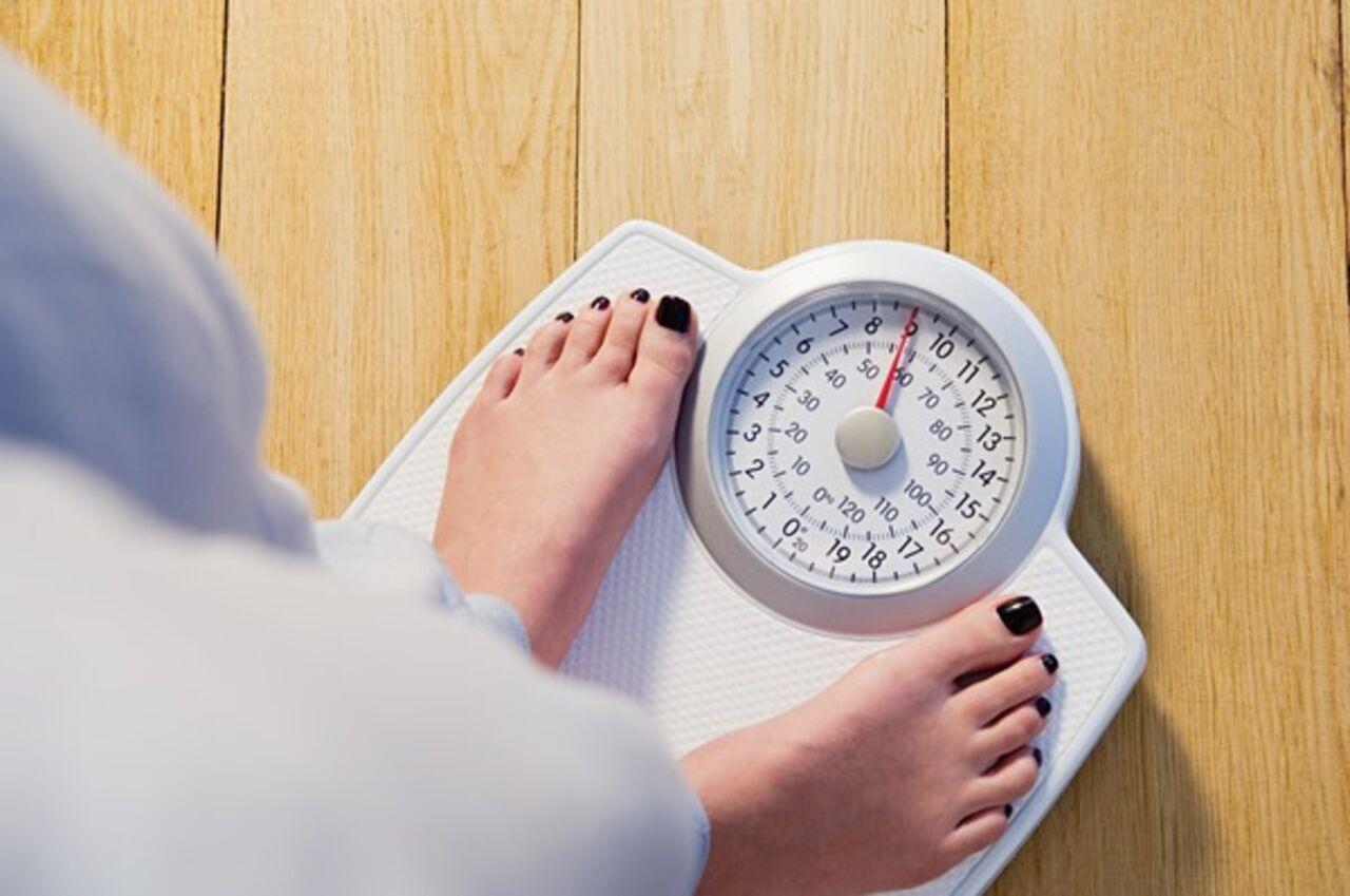 Мед. работники узнали, почему люди толстеют зимой