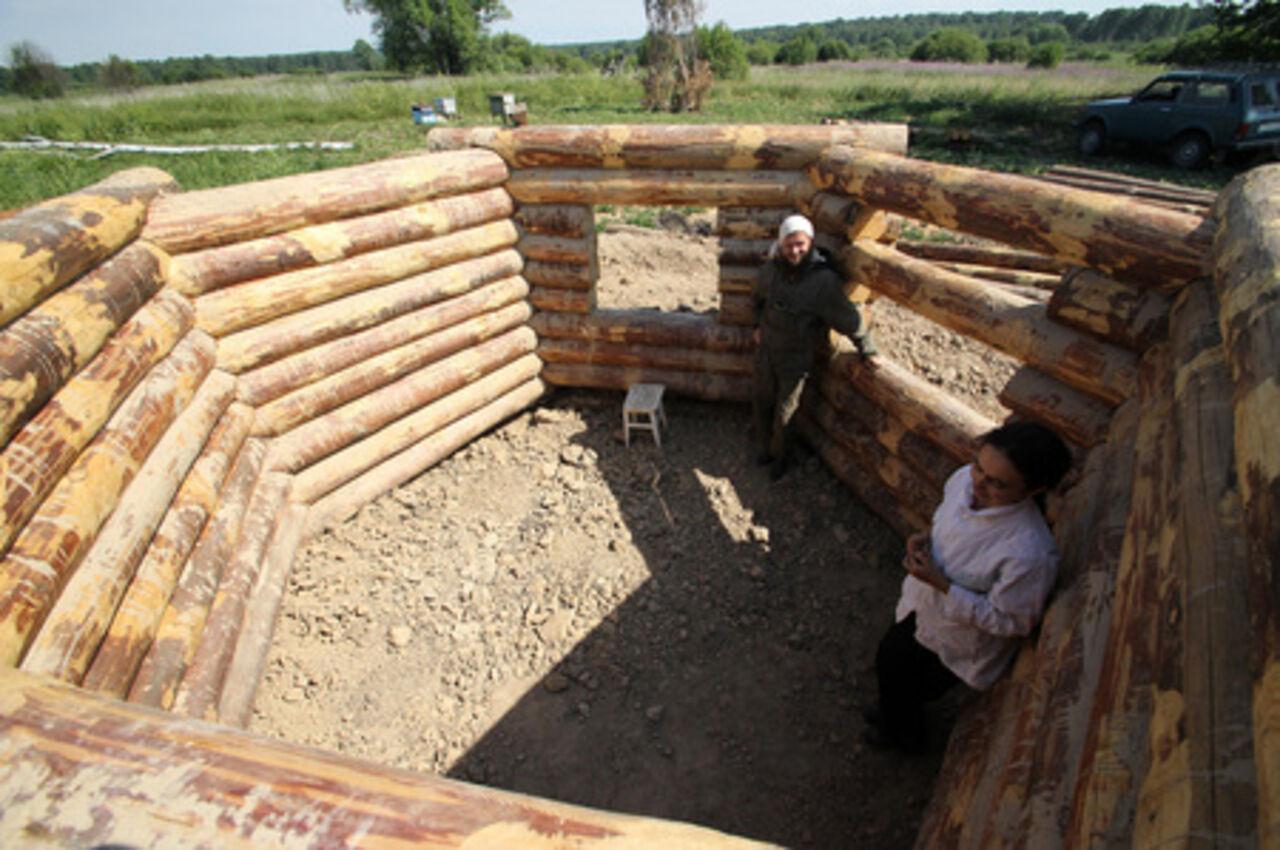 Как построить землянку в лесу своими руками с печкой 61