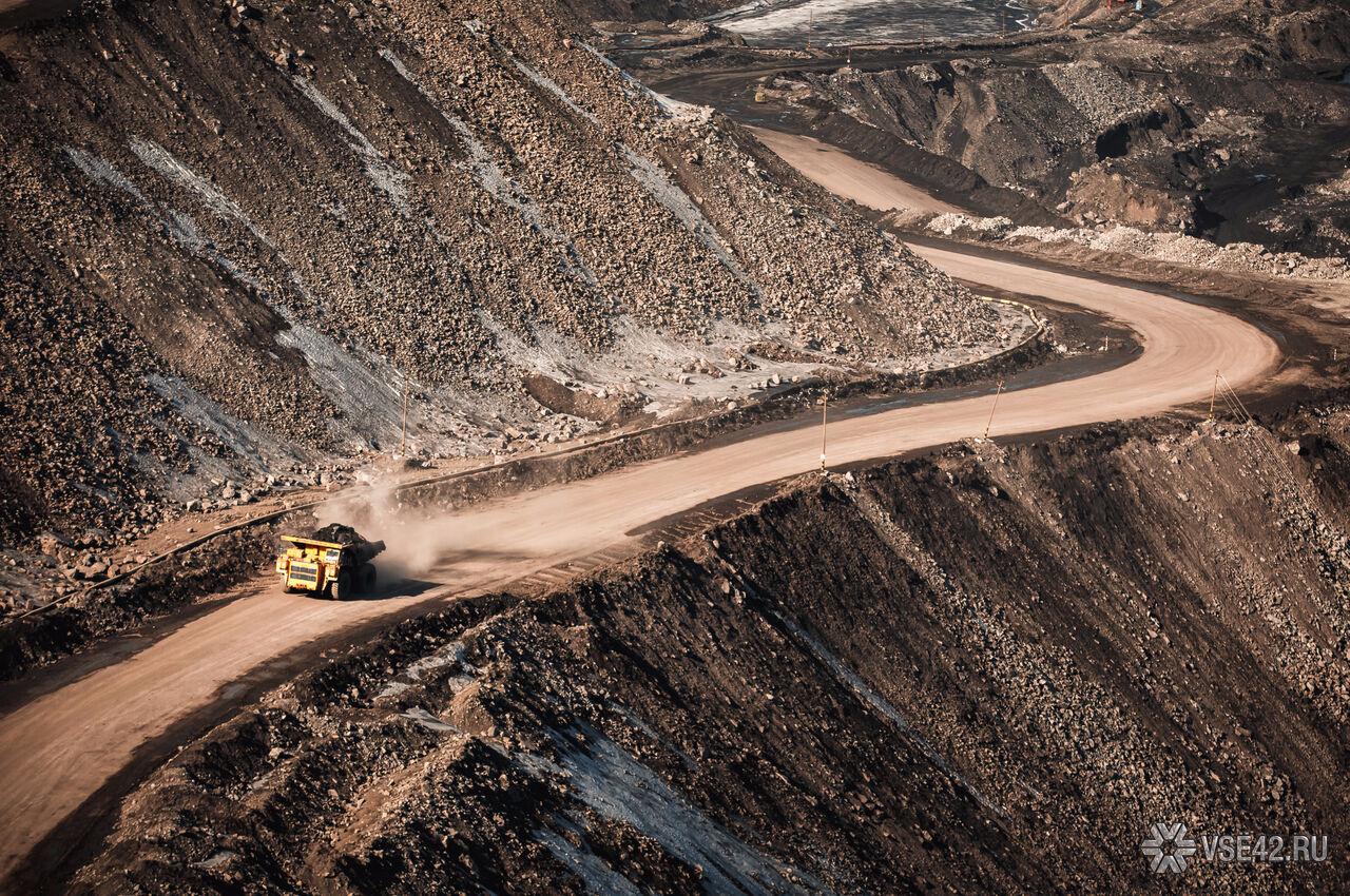 Горнорабочий умер  при обрушении шахты вКузбассе