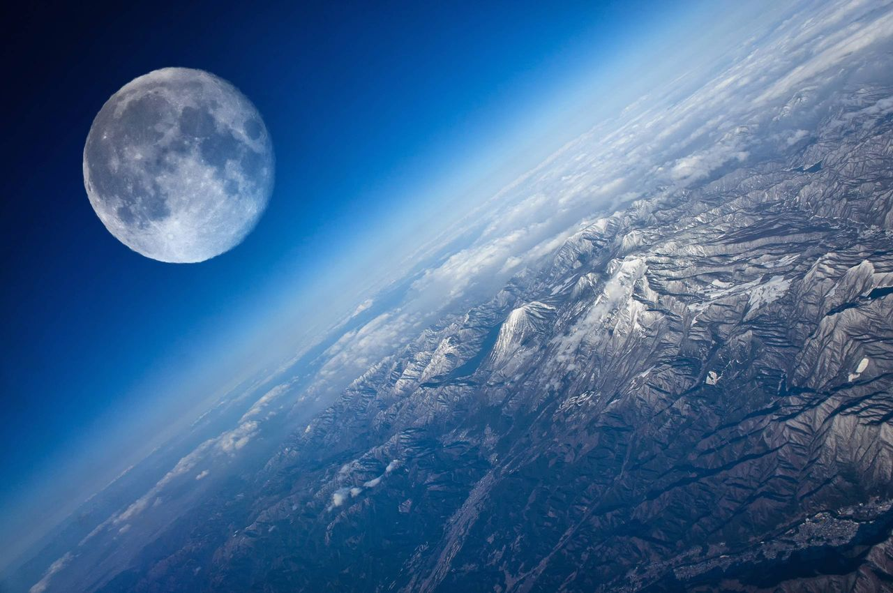 Луна вполне может стать планетой Солнечной системы: ученые NASA готовят изменения