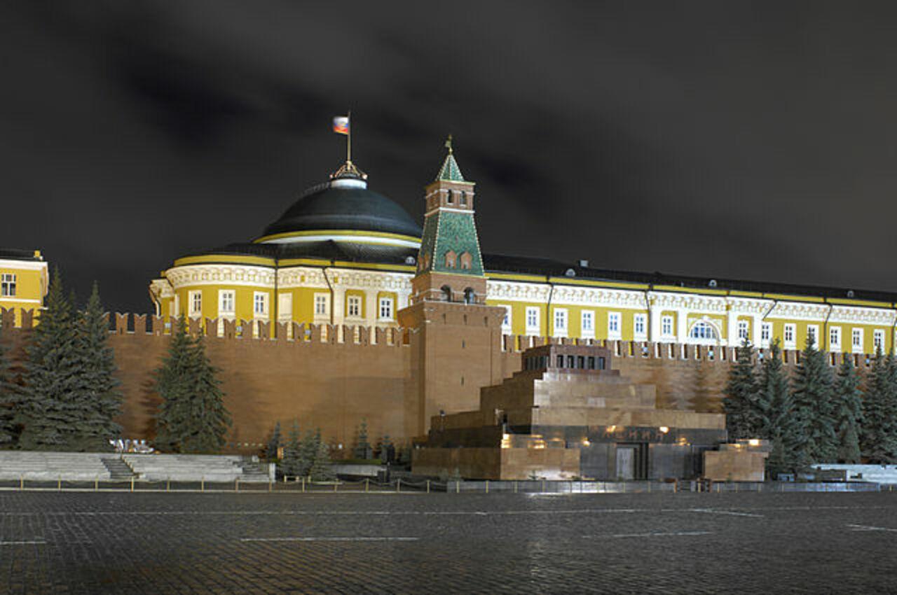 Депутат попросил Матвиенко рассмотреть возможность демонтажа мавзолея Ленина